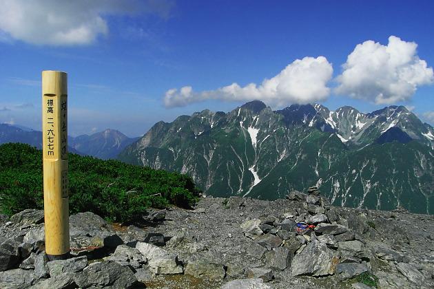 蝶ヶ岳頂上から穂高連峰