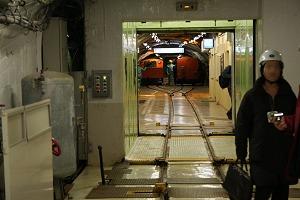 列車も積める竪坑エレベーター